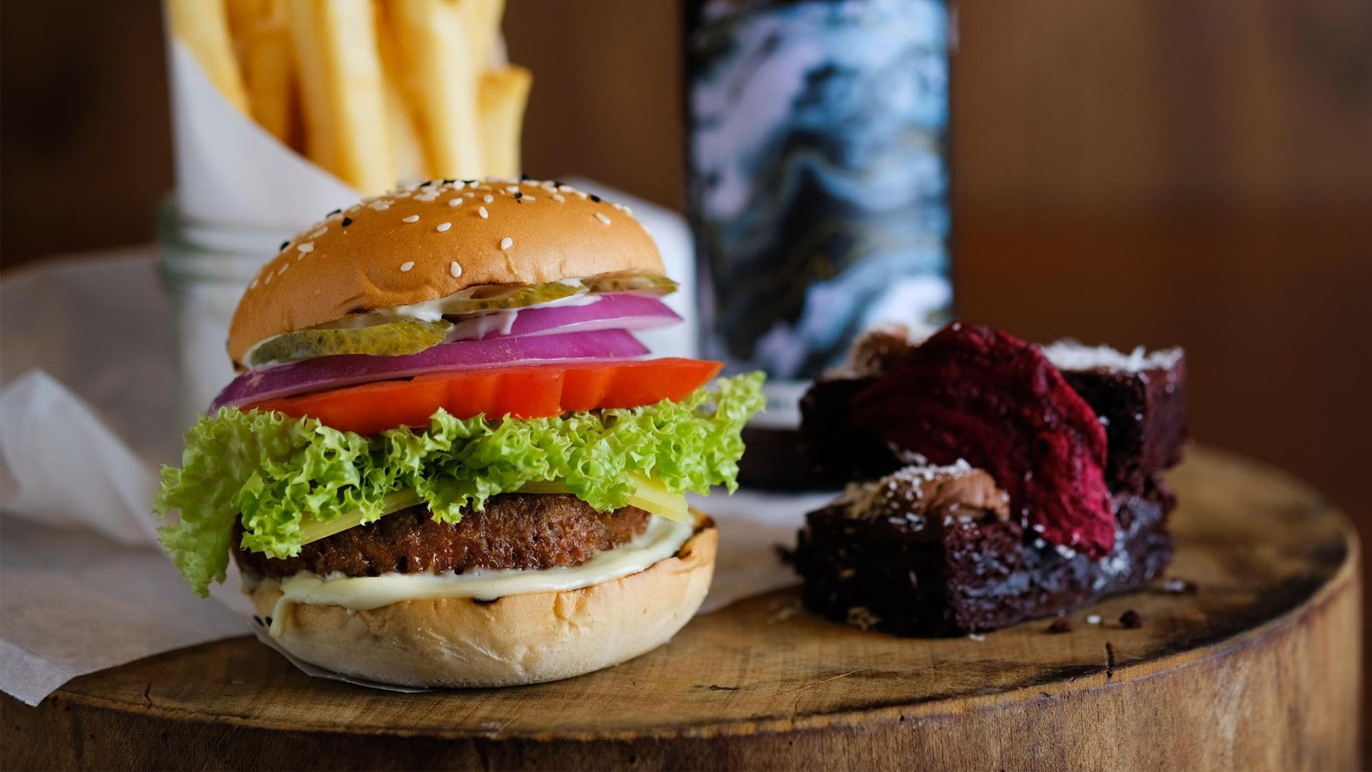 7 Places In Singapore Where You Can Be Vegetarian And Still Have a Burger