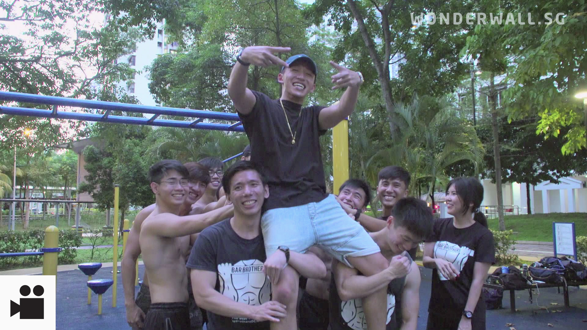 10,000 Steps With Tosh: Jungle Jaunts And Beefy Bros In Toa Payoh