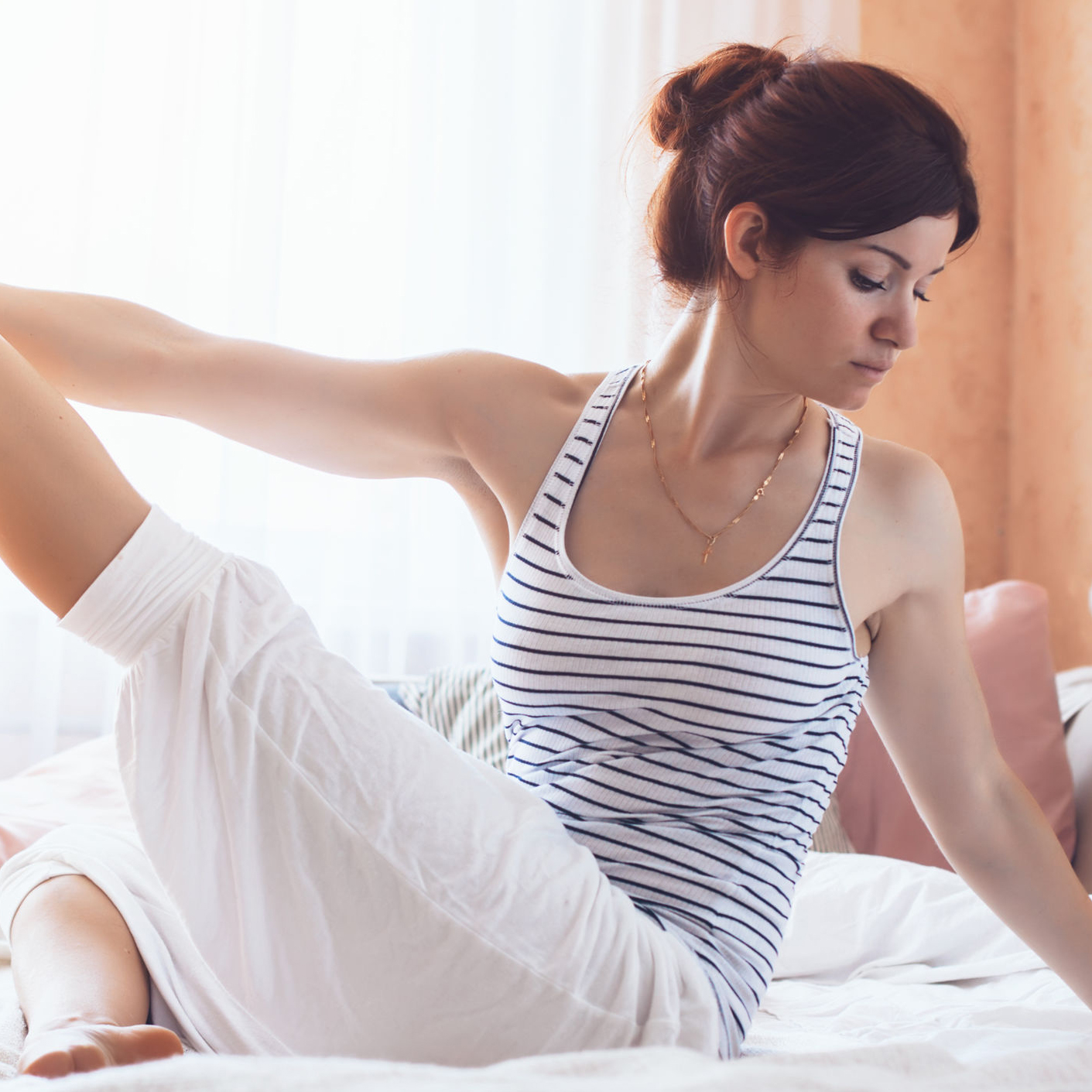 5 Morning Stretches That Will Wake You Up Faster Than Coffee
